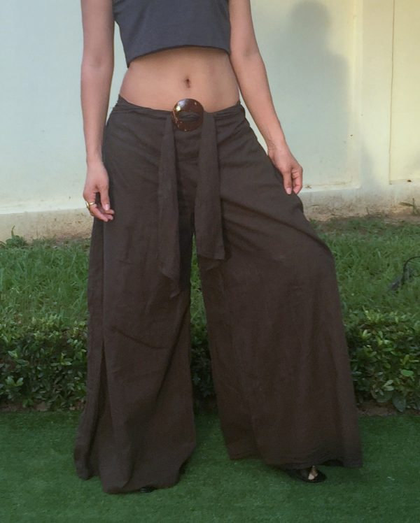 pants with coconut buckle